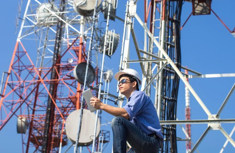 What does a Telecommunication Engineer do?